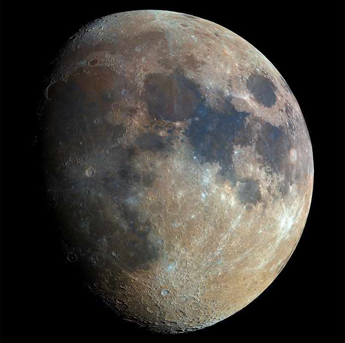 Self-Taught Polish Astrophotographer Captures High-Res Moon Photo By Combining 32,000 Shots