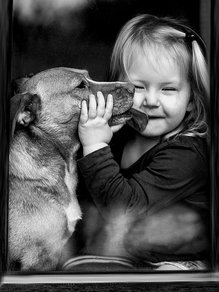 kids-animals-family-photography-mother-agnieszka-gulczyiska-3