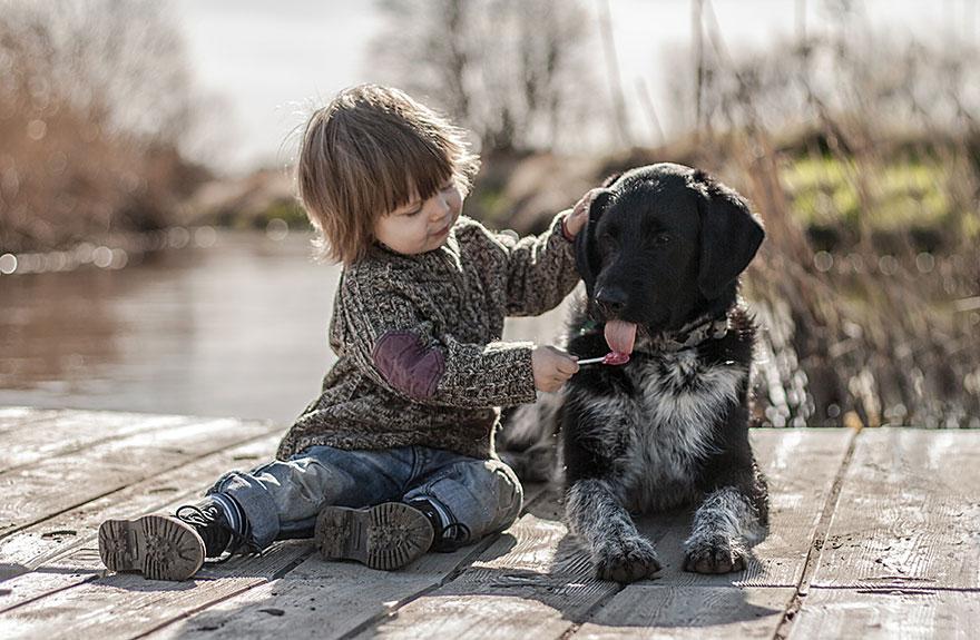 kids-animals-family-photography-mother-agnieszka-gulczyiska-6
