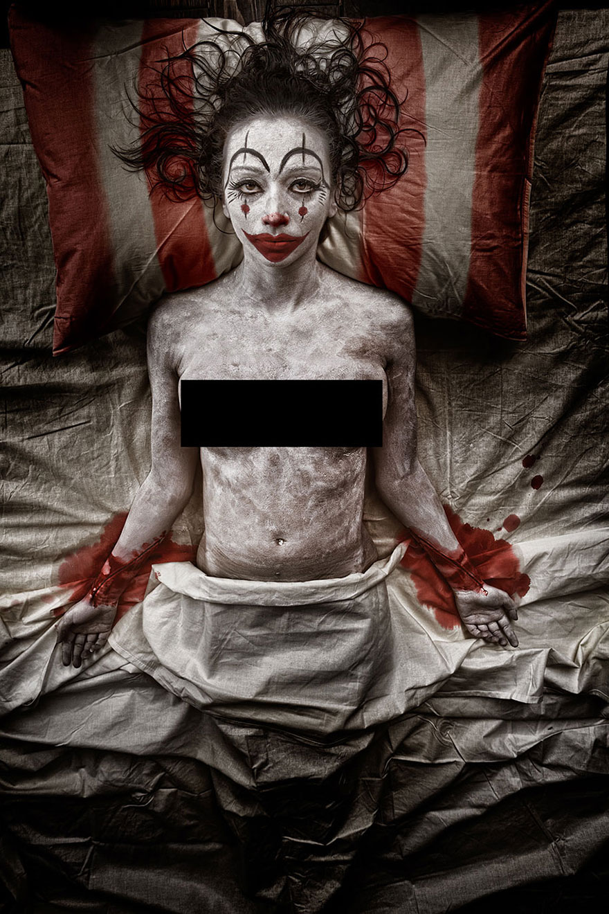 macabre-scary-clown-portraits-photography-clownville-eolo-perfido-99-9