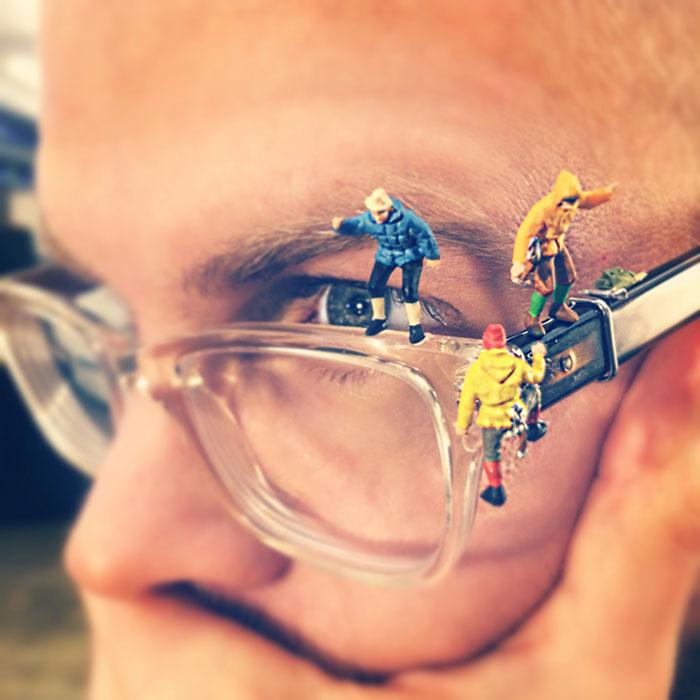 office-frustration-miniature-figures-photography-derrick-lin-3