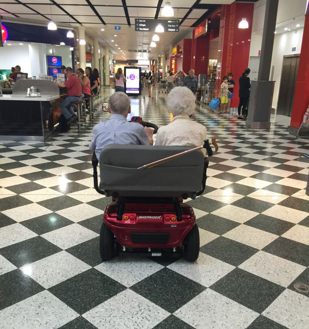 http://static.boredpanda.com/blog/wp-content/uploads/2015/05/old-couples-having-fun-21__605.jpg