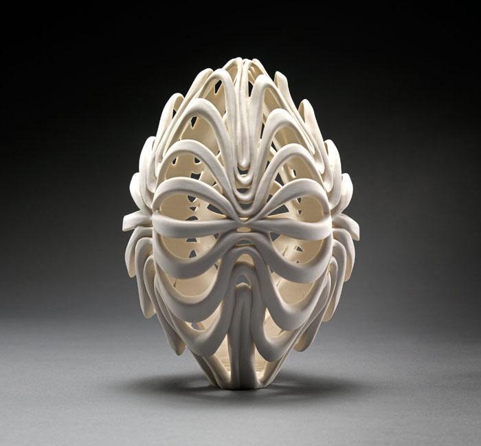 porcelain-gold-leaf-sculpture-vase-jennifer-mccurdy-12