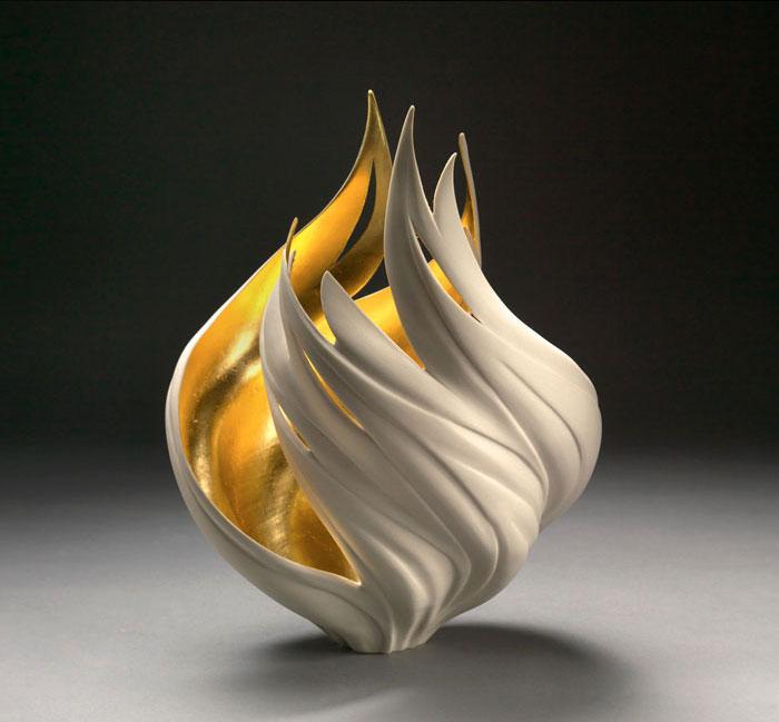 porcelain-gold-leaf-sculpture-vase-jennifer-mccurdy-2