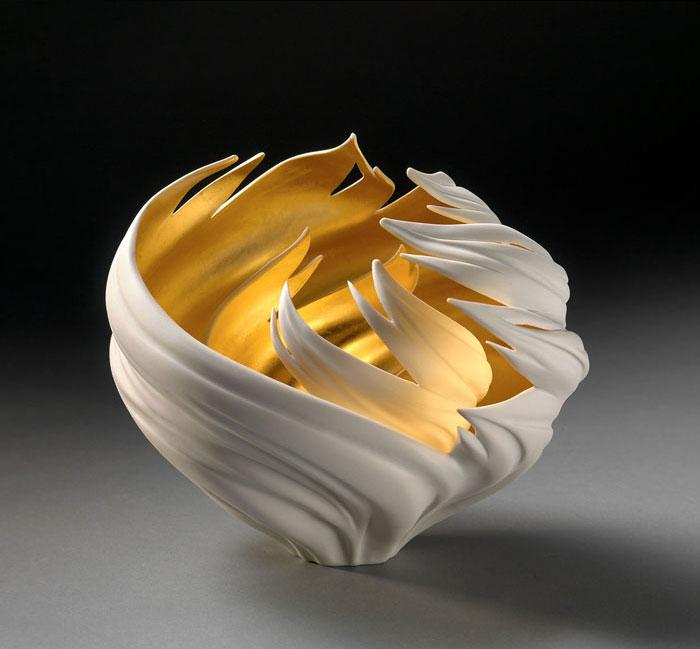 porcelain-gold-leaf-sculpture-vase-jennifer-mccurdy-4