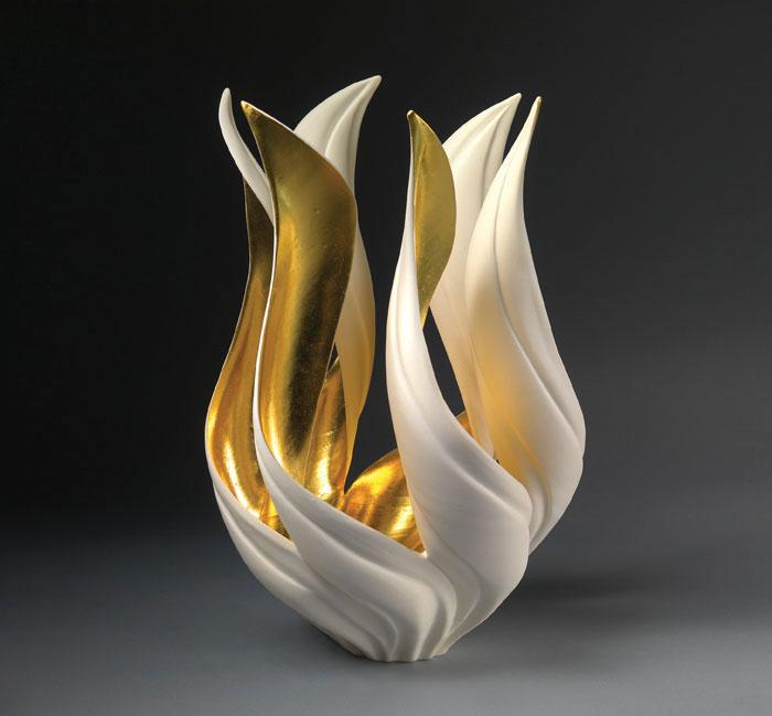 porcelain-gold-leaf-sculpture-vase-jennifer-mccurdy-5