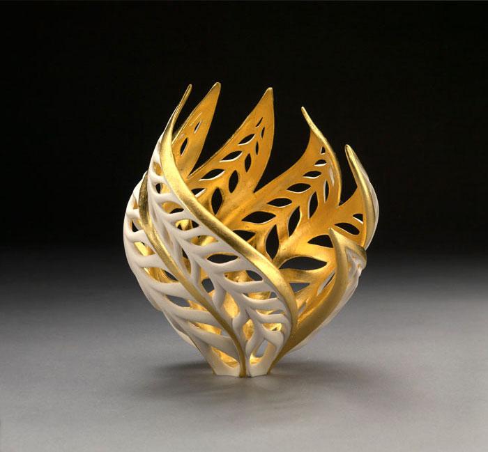 porcelain-gold-leaf-sculpture-vase-jennifer-mccurdy-6