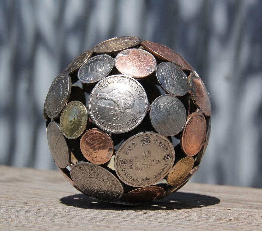 reciclados-metálicos esculturas-key-coin-michael-moerkey-13