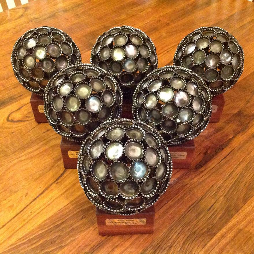 reciclados-metálicos esculturas-key-coin-michael-moerkey-9