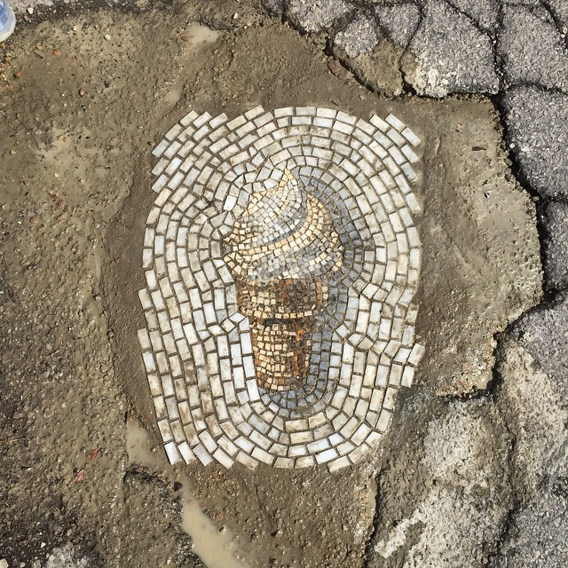 street-mosaic-pothole-ice-cream-jim-bachor-6