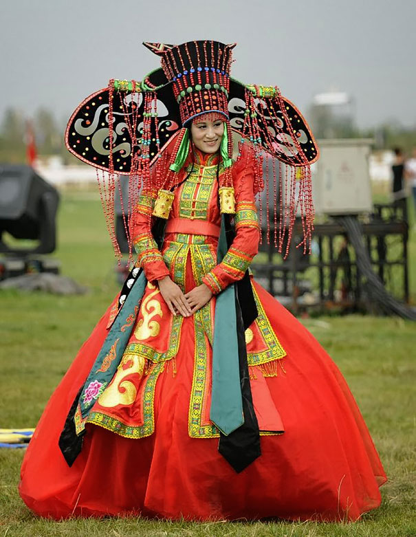 How Traditional Wedding Outfits Look Around The World 38 Pics Bored Panda