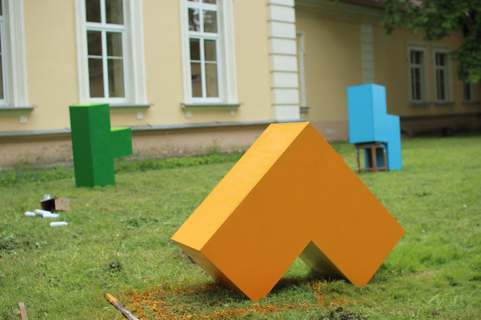Tetris-inspired Urban Furniture Turns Public Spaces Into Playgrounds