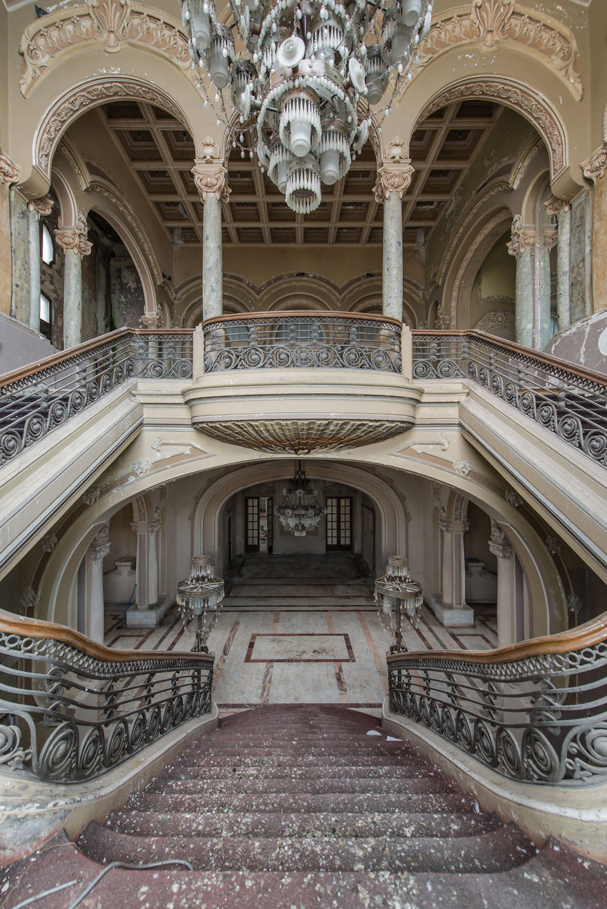 This Abandoned Casino Was Once The Most Magnificent