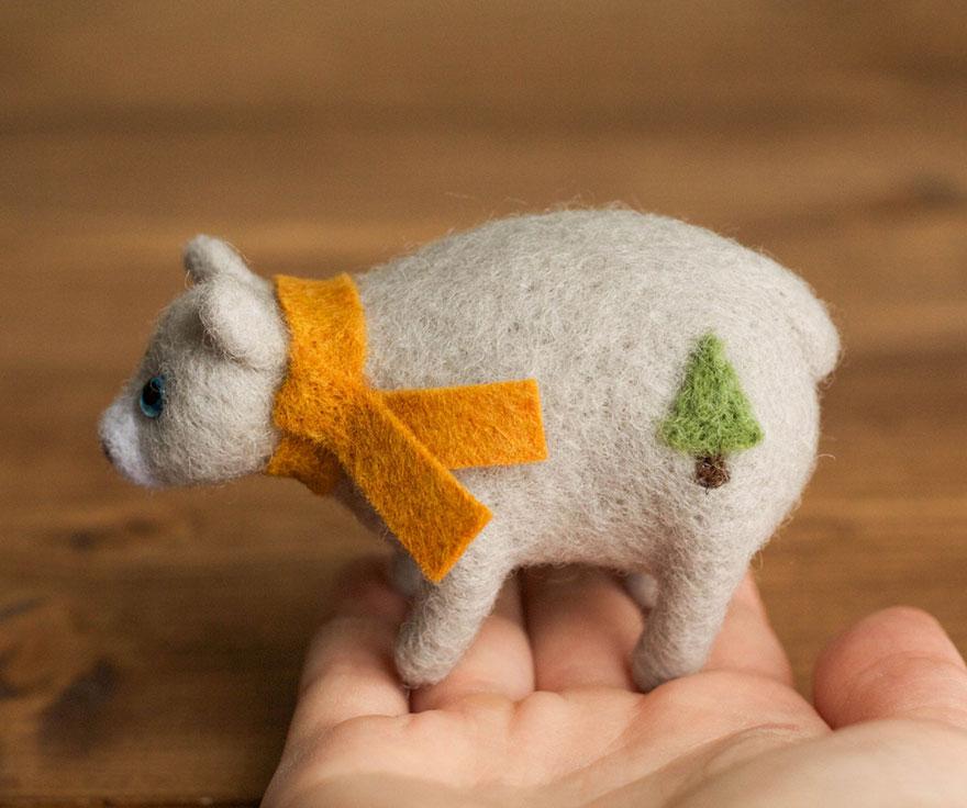 Fiber Into Form: I Felt Realistic Animals From Wool