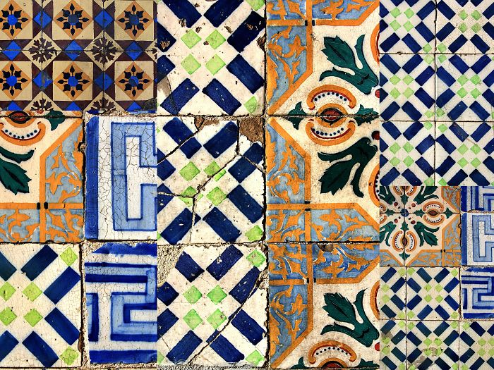 Lisbon's'tiles: I Photograph Decaying Tiles In Portugal