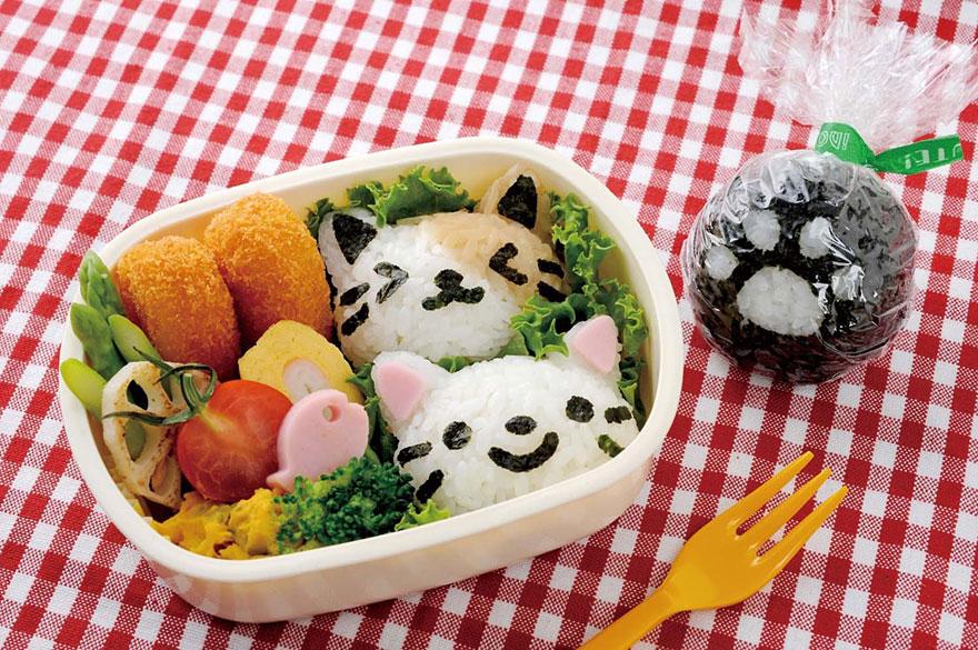 Onigiri-cat-face-omusubi-Nyan-rice-balls-2