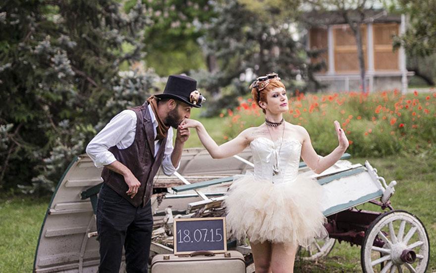 Steampunk Wedding Inspired By Alice In Wonderland | Bored Panda