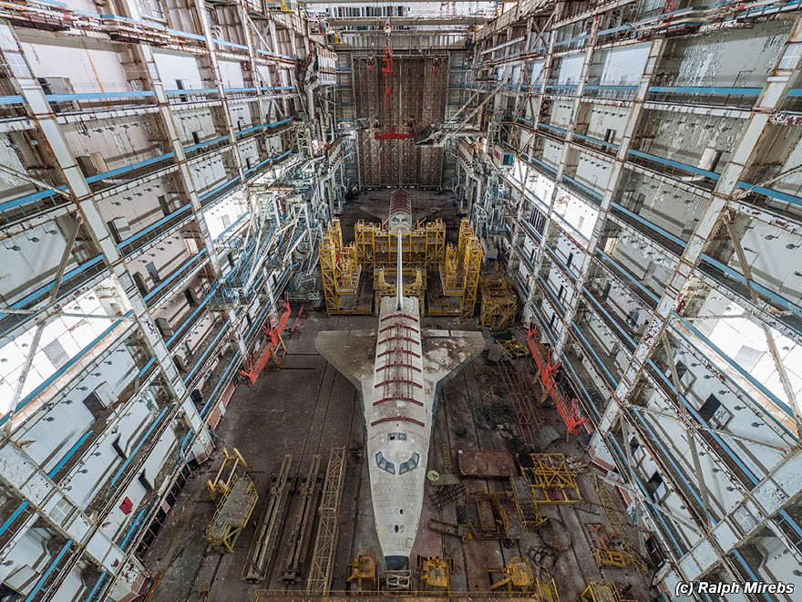 Urban Explorer Finds The Sad Remains Of The Soviet Space ...