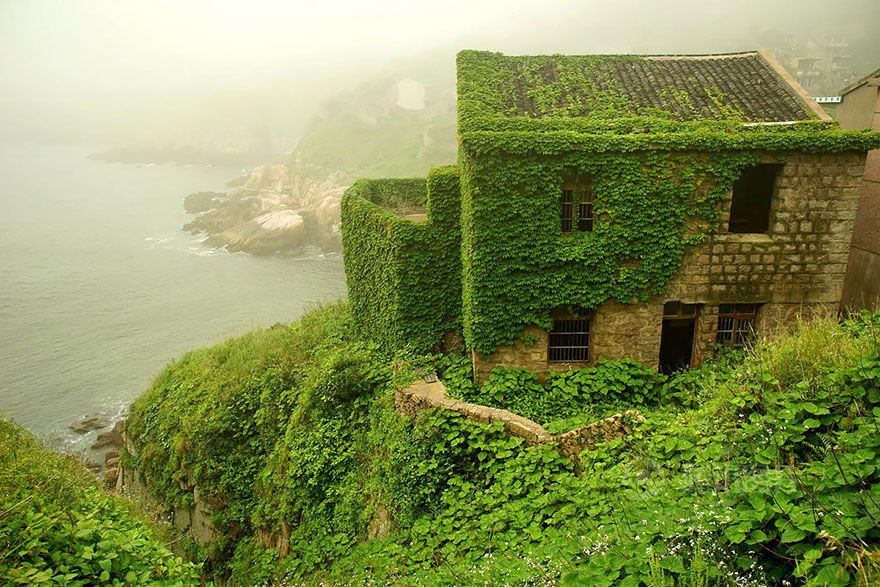 abandoned-village-zhoushan-china-101