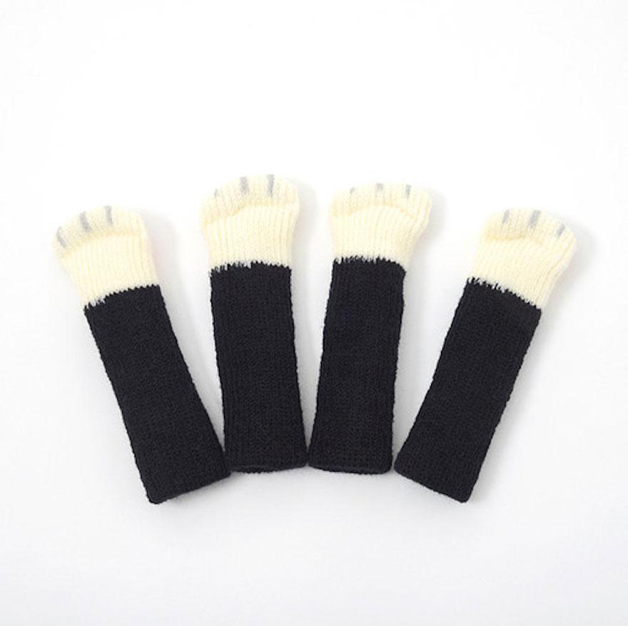 cat-paw-sock-feet-chair-nekoashi-toyo-case-2
