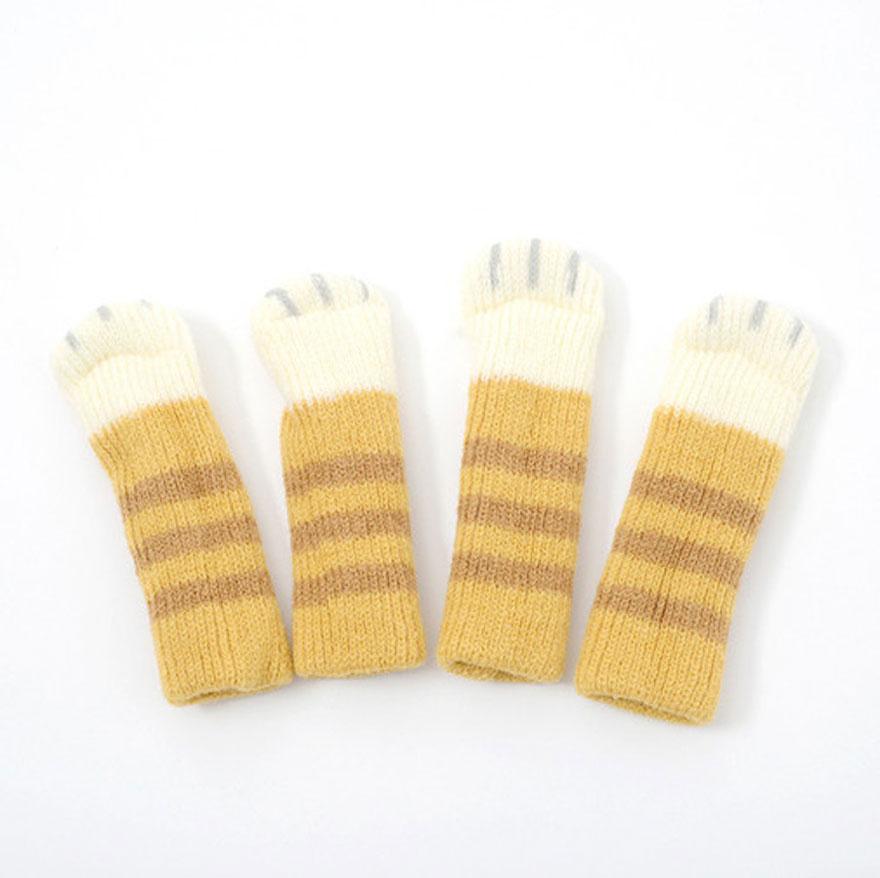 cat-paw-sock-feet-chair-nekoashi-toyo-case-4
