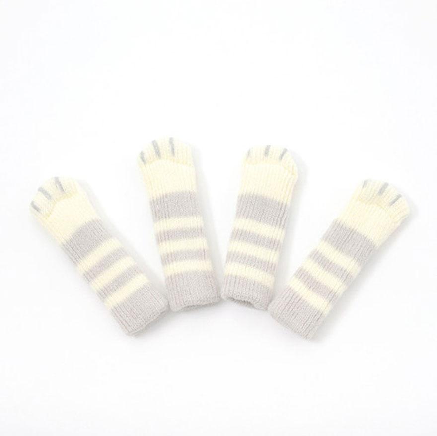 cat-paw-sock-feet-chair-nekoashi-toyo-case-6