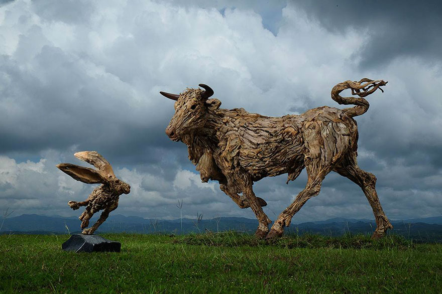 driftwood-animal-sculptures-jame-doran-webb-5