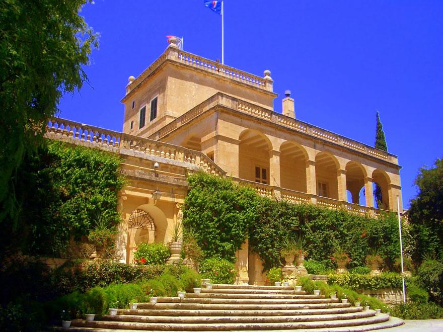 The Red Keep: San Anton Palace, Malta