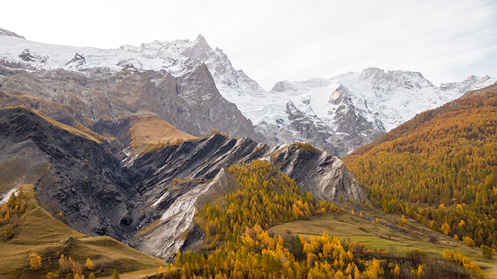 La Clarée: The Amazing 'Golden Valley' In France Becomes Hiking Heaven In Autumn