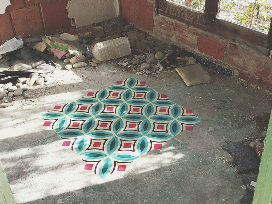 graffiti-spray-paint-tile-pattern-floor-installations-javier-de-riba-3