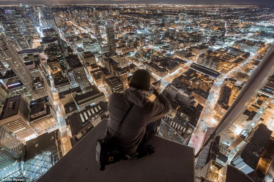 33 Spine-chilling Photographs From On Top Of The World