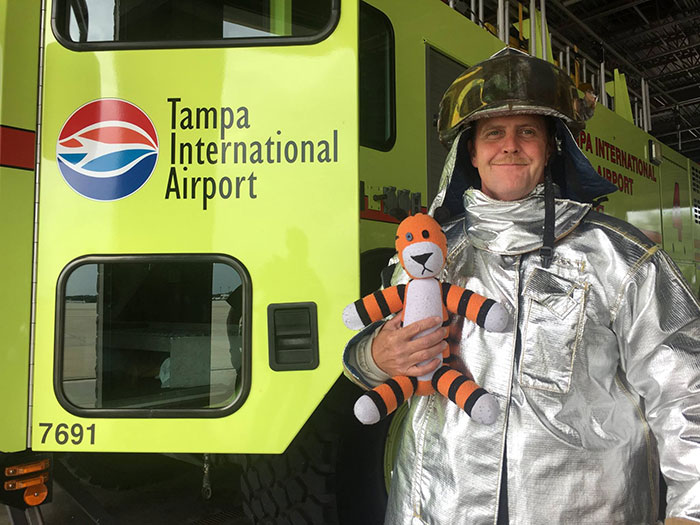 hobbes-stuffed-animal-lost-airport-tampa-international-owen-lake-5