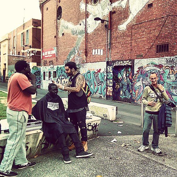 homeless-haircuts-drug-addiction-street-barber-nasir-sobhani-15