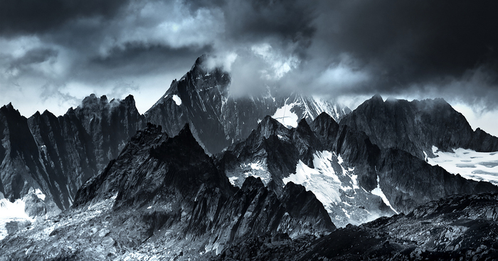 14a3e68c2d10 I Photographed Mountains That Look Like Mordor From The Lord Of The ...