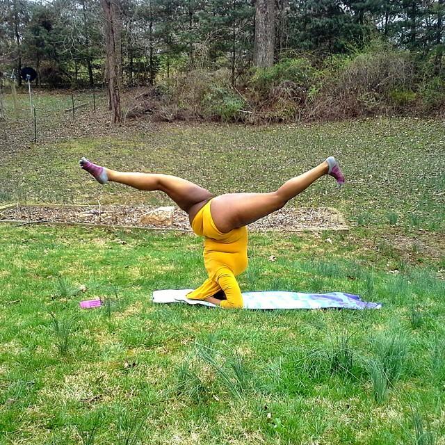 plus-sized-yoga-jessamyn-stanley-11