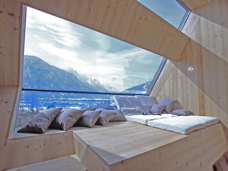 ===Con las mejores vistas=== Rooms-with-amazing-view-8__880