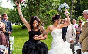 15+ Beautiful Same Sex Wedding Photos Show That Love Knows No Boundaries