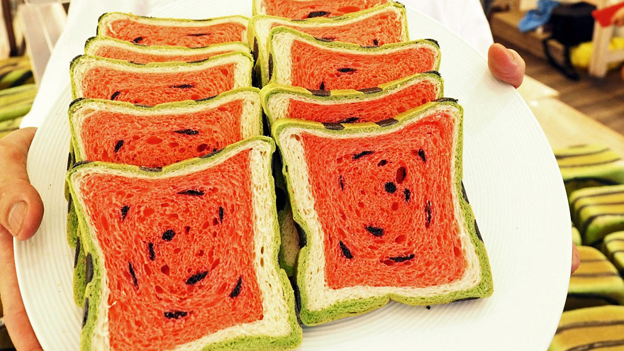 Taiwan Invents Square Watermelon Bread That Is Delicious And Confusing Bored Panda