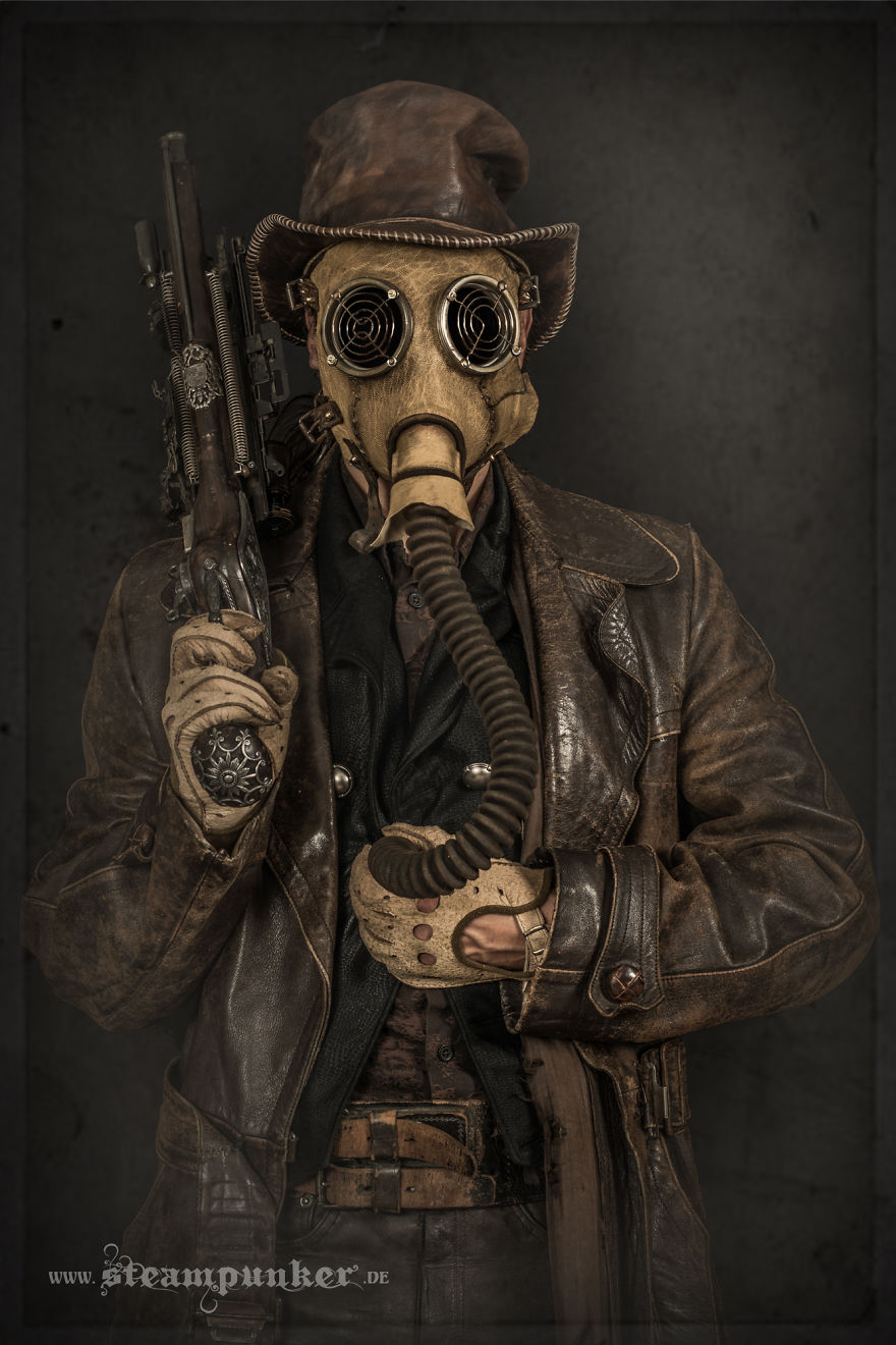 I Hand Craft Steampunk Costumes From Old Parts For Movies Bored Panda