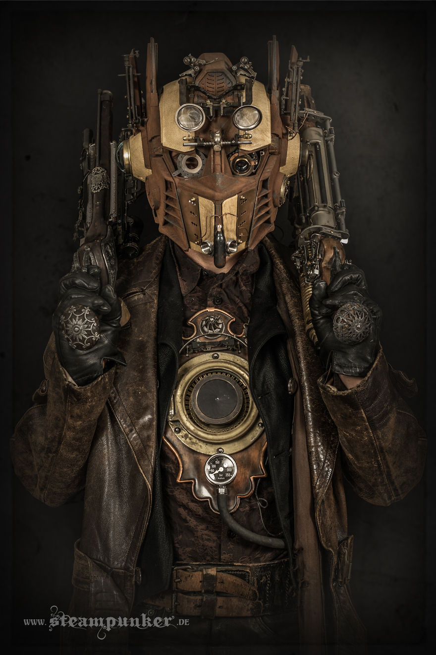 i hand craft steampunk costumes from old parts for movies bored panda. Black Bedroom Furniture Sets. Home Design Ideas