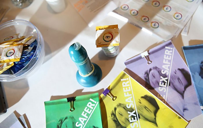 New Condom Will Change Colors If Someone Has An STI
