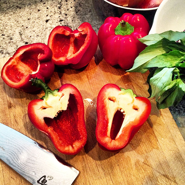 22+ Unusually-Shaped Fruits And Vegetables That Look Like