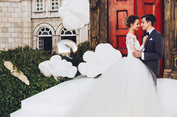 wedding-photos-follow-me-to-couple-murad-osmann-natalia-zakharova-2