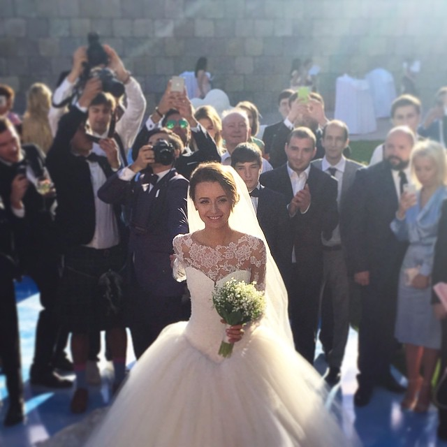wedding-photos-follow-me-to-couple-murad-osmann-natalia-zakharova-23