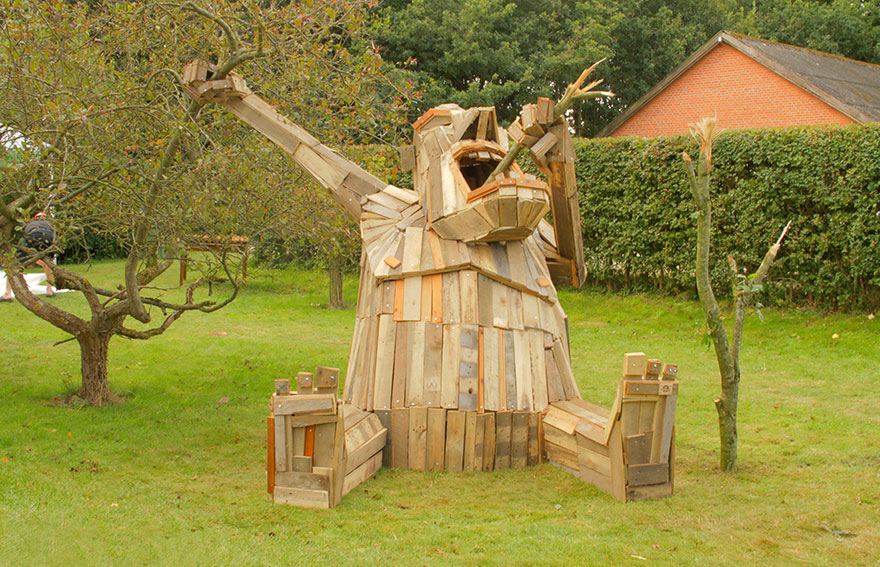 i create giant sculptures from scrap wood bored panda