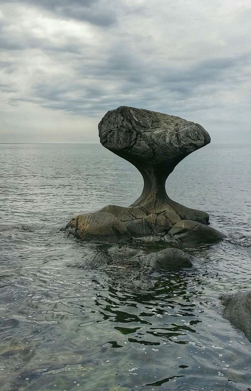 Kannesteinen, I Oppedal På Vestsiden Av Vågsøy Norge