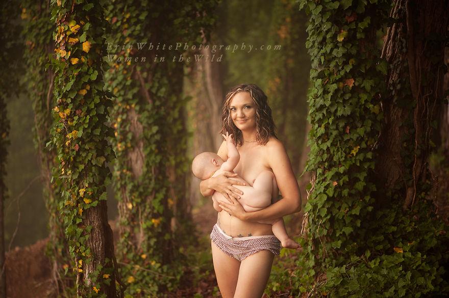 голая грудь мамы фото