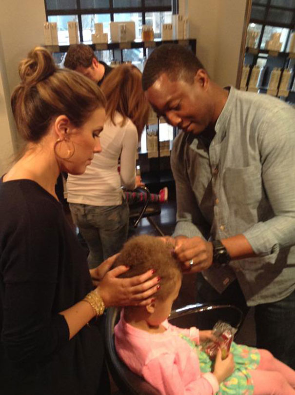 Hair Salon Teaches Dads How To Do Their Daughters' Hair By Offering Beer
