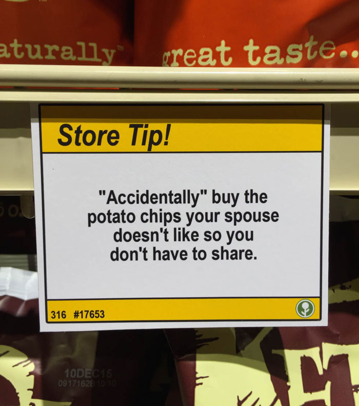 """Guy Leaves Hilarious """"Shopping Tips"""" In Grocery Store"""