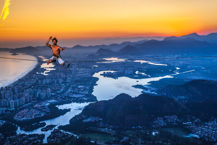 I Capture Breathtaking Moments With High-Line Climbers In Beautiful Sunrises